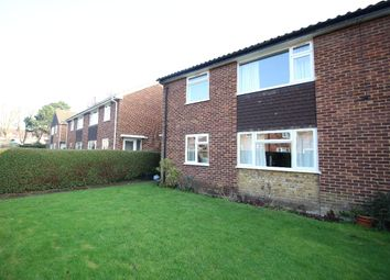 Thumbnail 2 bed flat to rent in Brook Lane, Bromley
