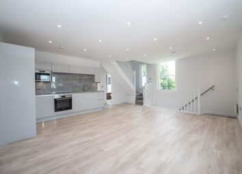 2 bed flat for sale in High Wycombe, High Wycombe HP13