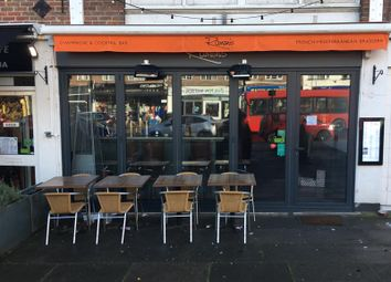 Thumbnail Restaurant/cafe to let in 94 Sycamore Road, Amersham, Buckinghamshire