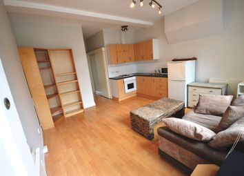 Thumbnail 1 bed flat to rent in Chapter Road, London