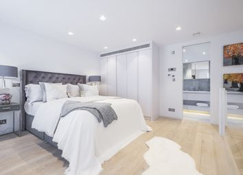 Thumbnail 3 bedroom mews house to rent in Ennismore Mews, London