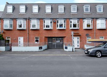 Thumbnail 2 bed flat to rent in Lynton Court, Lynmouth Road, Reading