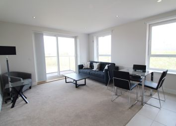 2 bed flat to rent in Harlequin House, Padworth Avenue, Reading RG2