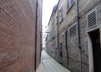 Thumbnail 1 bed flat to rent in Cutlog Vennel, Perth