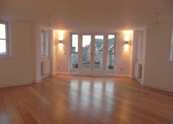 Thumbnail 1 bed flat to rent in Victors Way, High Barnet, Barnet