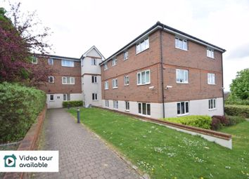 Thumbnail 3 bed flat to rent in Treetop Close, Luton