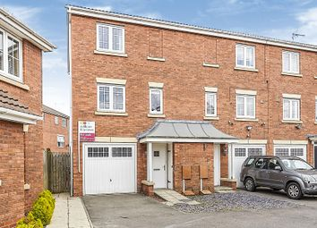 3 bed end terrace house for sale in Halecroft Park, Kingswood, Hull HU7
