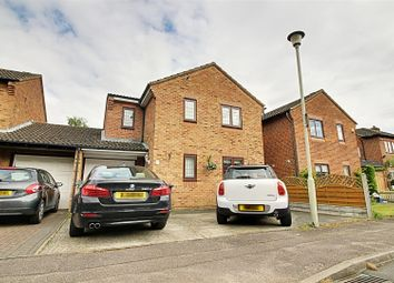 Thumbnail 3 bed link-detached house for sale in Oakview Close, Cheshunt, Waltham Cross
