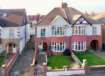4 bed property for sale in Braemore Road, Hove BN3