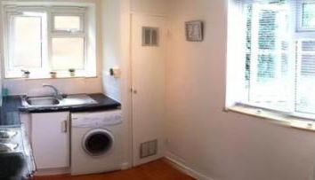 Thumbnail 1 bed flat to rent in Brick Farm Close, West Hall Road, Kew, Richmond