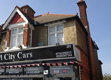 Thumbnail 3 bed flat to rent in Croydon Road, Beckenham