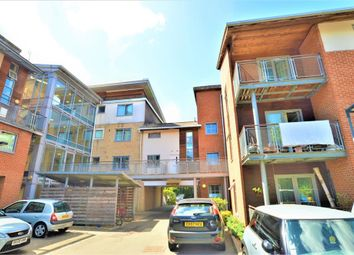 Thumbnail 2 bed flat for sale in Windmill Road, Sllough, Berks