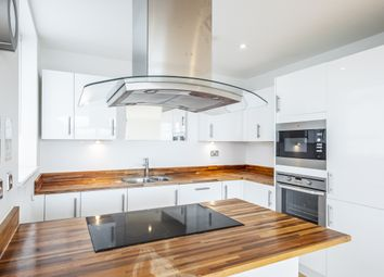 Thumbnail 2 bed flat to rent in Frean Street, London