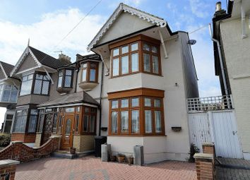 Thumbnail 5 bedroom terraced house for sale in Highlands Gardens, Cranbrook, Ilford