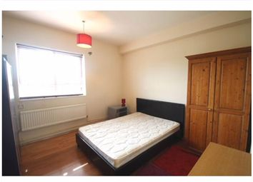 Thumbnail 4 bed flat to rent in St Pancras Road, Kings Cross/Euston