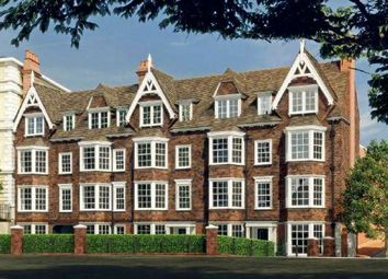 Thumbnail 2 bed flat for sale in Tunbridge Wells, Kent