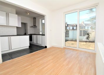 Thumbnail 6 bed flat to rent in Brockley Road, London