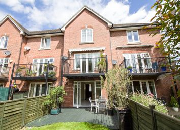 Thumbnail 3 bed town house to rent in Admiralty Way, Southampton