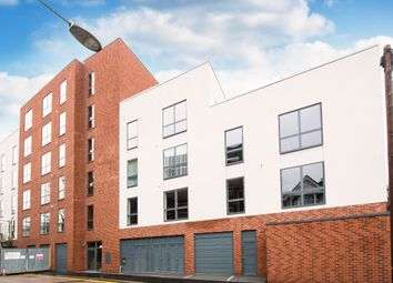 Thumbnail 3 bed flat to rent in Station Road, Watford