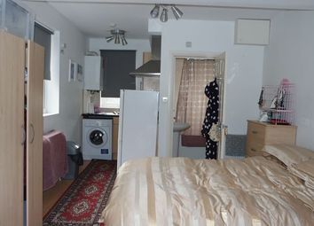 Thumbnail Property to rent in Tulse Hill, London