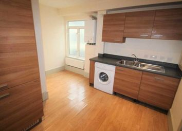Thumbnail 2 bed flat to rent in Elm Street, Ipswich