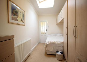 Thumbnail 1 bed flat to rent in Cranborne Avenue, Tolworth, Surbiton