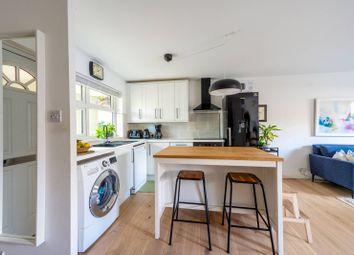 Nursery Close, Putney, London SW15. 3 bed flat for sale