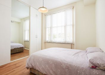 2 bed flat to rent in Elsham Road, London W14