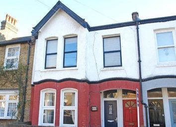Thumbnail 3 bedroom flat to rent in Hichisson Road, London