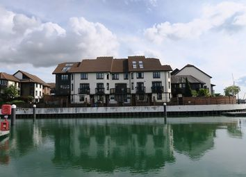 Thumbnail 3 bed town house to rent in Calshot Court, Southampton