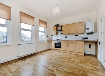 3 bed flat to rent in Oakleigh Road South, London N11