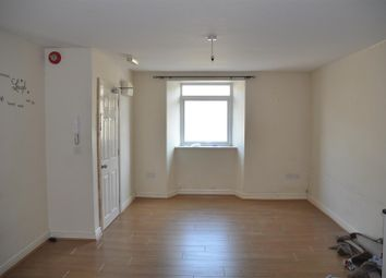 Thumbnail 2 bed flat to rent in Kingsland Road, Holyhead