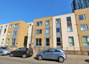 Thumbnail 2 bedroom flat for sale in Cotterells, Hemel Hempstead