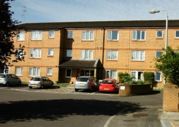 Thumbnail 1 bedroom flat to rent in St Albans Close, Rodbourne