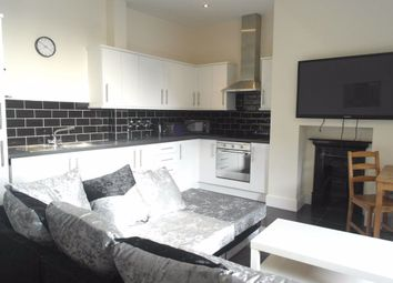2 bed flat to rent in Bowlalley Lane, Hull HU1