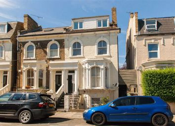 Goldsmith Road, London W3. 2 bed flat