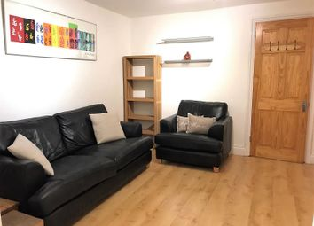 Thumbnail 2 bed flat to rent in Clapham Road, Stockwell