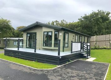Thumbnail 2 bed lodge for sale in Shorefield Country Park, Shorefield Rd, Milford On Sea, Downton, Lymington