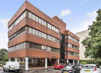 Aylesbury Town Centre HP21, Buckinghamshire,. 3 bed flat