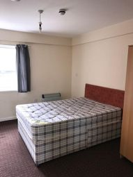 Thumbnail 2 bed flat to rent in Manor Road, Luton