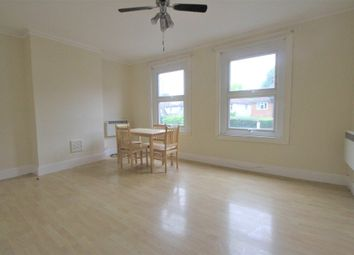 3 bed flat to rent in Widmore Road, Bromley, Kent BR1