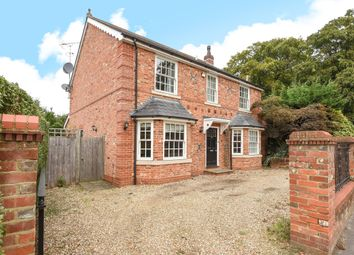Thumbnail 5 bed detached house to rent in Chertsey Road, Windlesham