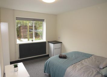 Thumbnail 5 bed property to rent in Milton Road, Corby