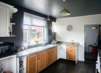3 bed semi-detached house for sale in Bilsdale Grove, Hull HU9