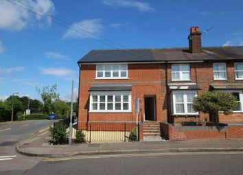 Thumbnail 2 bed flat to rent in St Johns Road, Epping