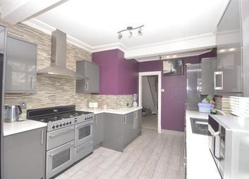Thumbnail 4 bed property to rent in Kingsley Avenue, Kettering