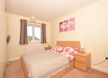 Thumbnail 2 bed flat for sale in Scott Road, Tonbridge, Kent