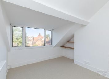 2 bed maisonette to rent in Connaught Road, Hove BN3