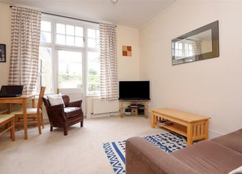 Thumbnail 1 bed flat to rent in Gwendolen Avenue, Putney, London