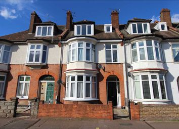 2 bed flat to rent in Pall Mall, Leigh-On-Sea SS9